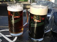 日, 2012-03-18 17:34 - Spaten Oktoberfest(左)、Murray's Stout(右)