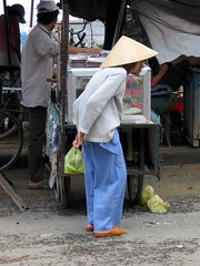Hoi An Market shopper
