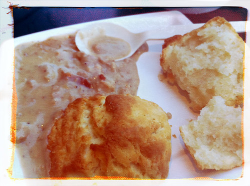 jo's gravy and biscuit