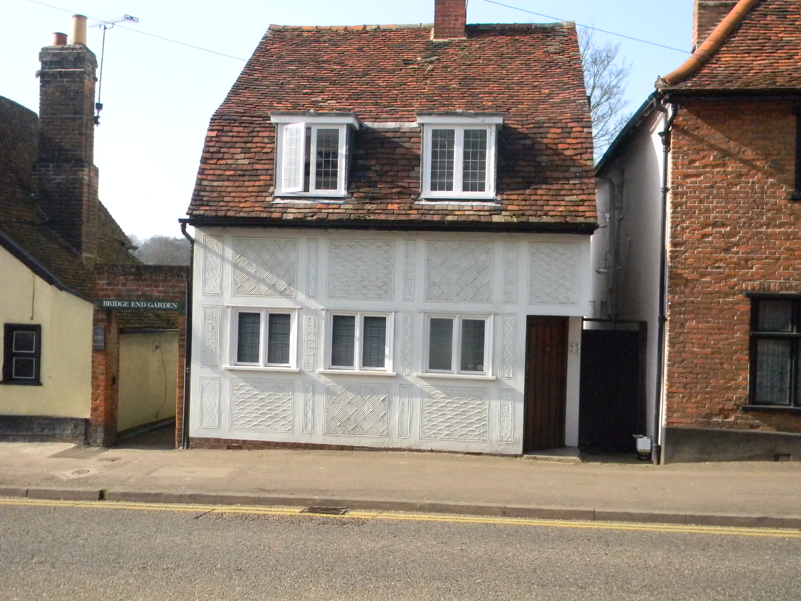 Pargetted house Saffron Walden, Great Chesterford to Newport