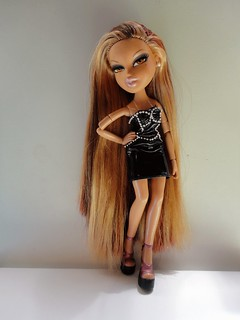 Bratz Next Top Model All-stars: Bella -  little black dress