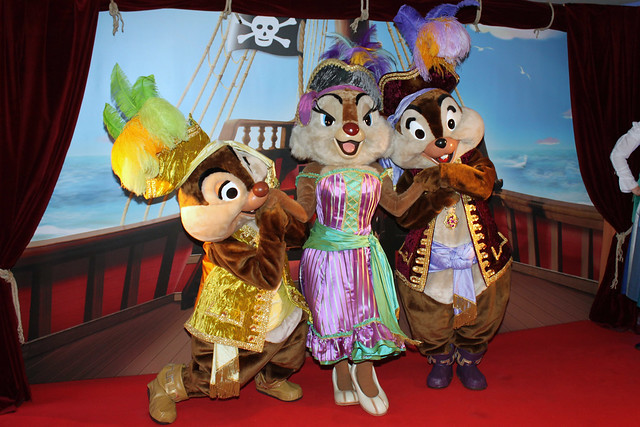 Meeting Pirate Chipmunks!