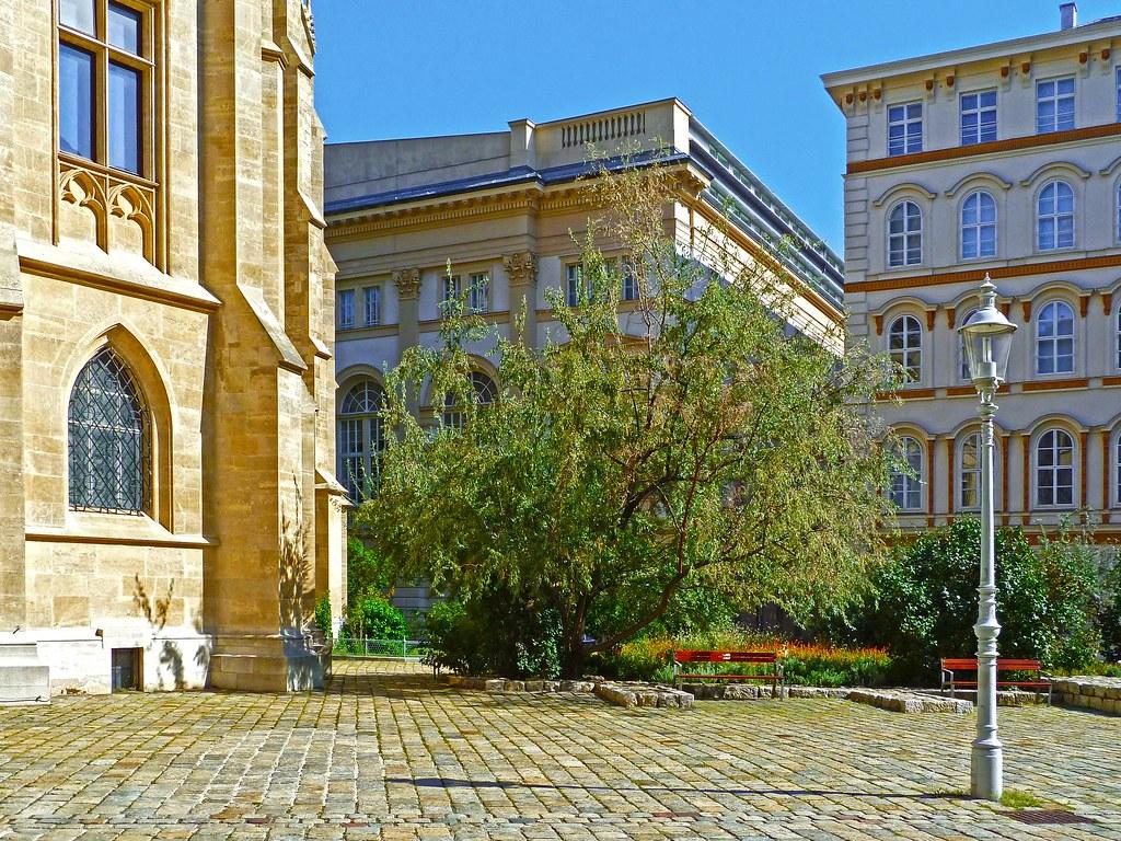 Rathaus wein and design hotel map innere stadt vienna for Designhotel 21
