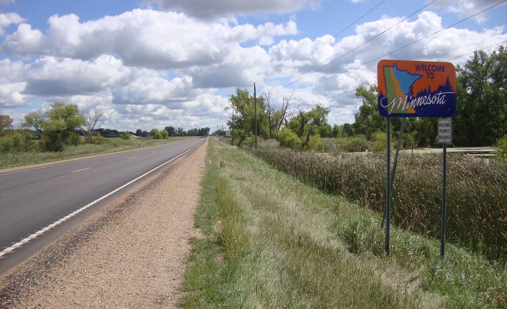 Entering Minnesota (Traverse County, Minnesota)