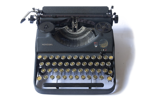 Montana portable typewriter