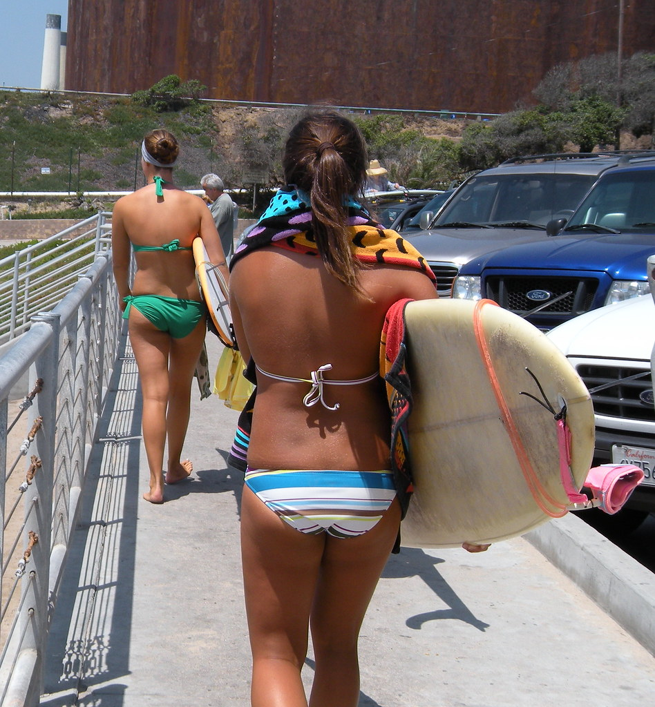 candid bikini ass Surfer Girls