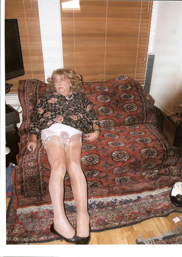 Oma In Strumpfhosen