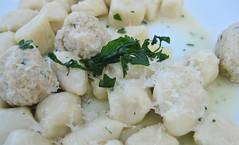 vegetarian food, leaf vegetable, food, dish, cuisine, potato salad,