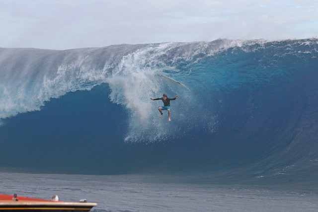 Tahiti Surf Photos