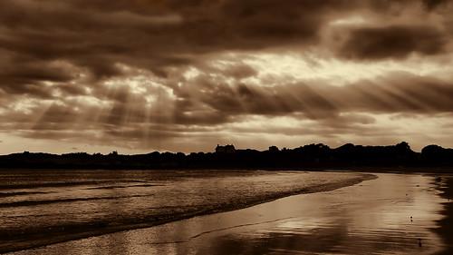 ocean ri sunset beach rhodeisland newport lightrays topaz cliffwalk bweffects topazlabs baileysbeach