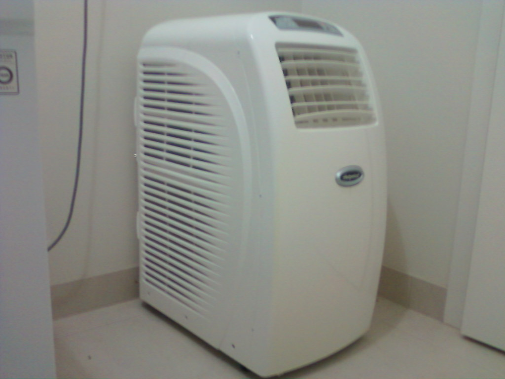 Attrayant Hotpoint 16000 BTU A/C. 1.5 Years Old. Portable Airconditioner. HOTPOINT ...