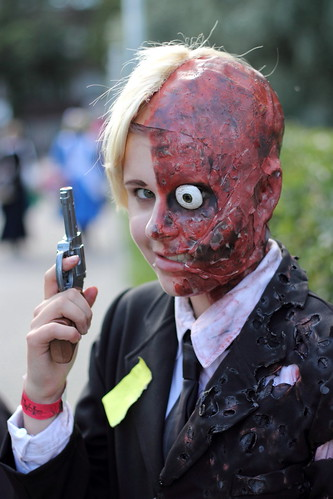 flesh canon 50mm gun cosplay makeup suit pistol convention gore batman ef50mmf18ii burned twoface 550d tracon
