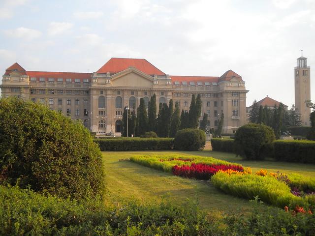 Edificio principal de la Universidad de Debrecen