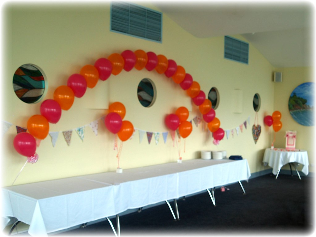 Buffet table Arch plus table decorations