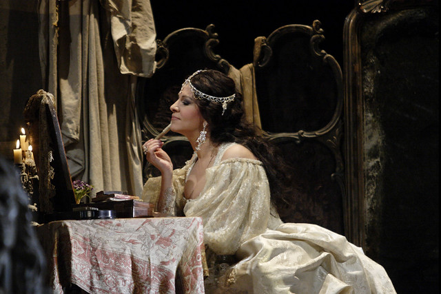 Angela Gheorgiu as Adriana Lecouvreur in Adriana Lecouvreur © ROH / Catherine Ashmore 2011