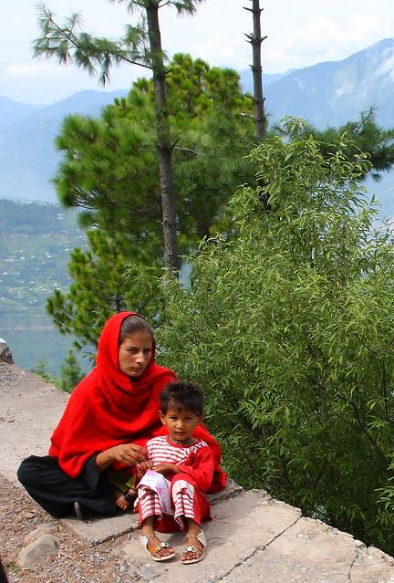 Mother & child tired from walking, near Danna village, Kashmir