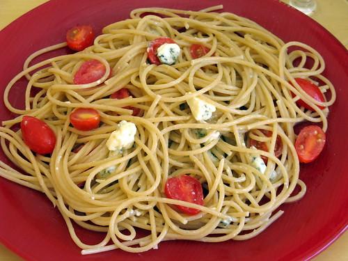 Espaguete com Roquefort e Tomates
