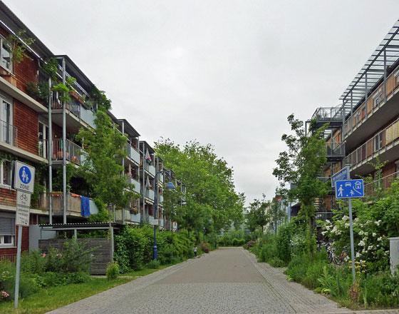 Vauban housing courts, photo by Payton Chung, cc