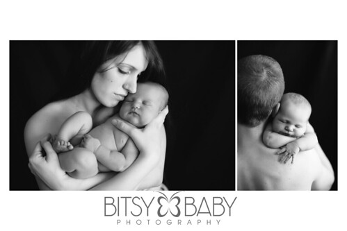newborn photographers_baby with mom dad