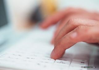 金融服務、知識經濟、雲端科技等是現代高度資本主義化的服務型經濟,只需透過操作鍵盤、滑鼠與電腦螢幕,即可提供「服務」。圖片來源:http://www.imagewa.com/Photo/149/18911.html