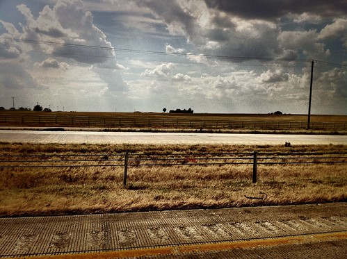 road sky cloud house highway iphone