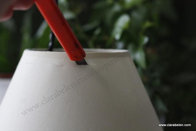 Reciclar una pantalla de lampara estropeada con pajitas o canutillos de plastico. Étnico (14)