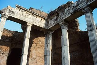 Marble veneer on brick walls, Hadrian's Villa