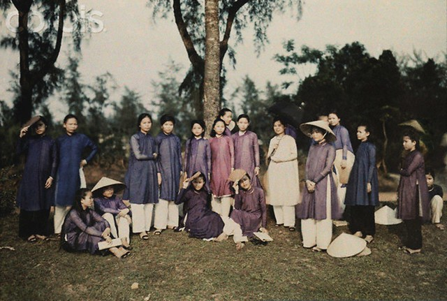 nữ sinh Đồng Khánh, Huế 1931