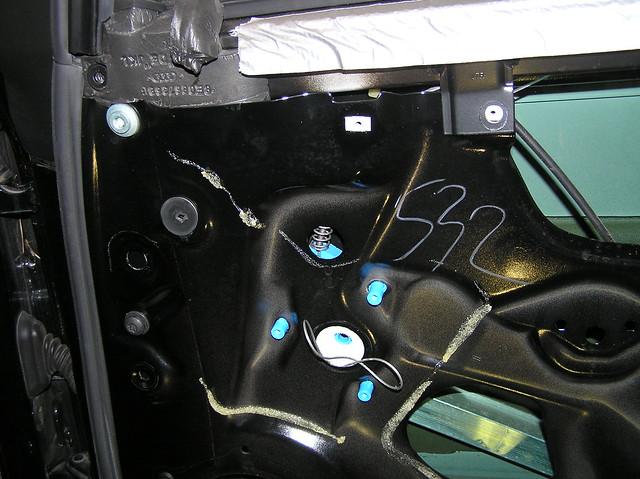 Diy b6 a4 window regulator motor replacement page 4 for 1999 vw passat window regulator clips