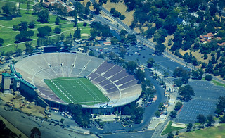 Rose Bowl Stadium - Flickr image by Ron Lute