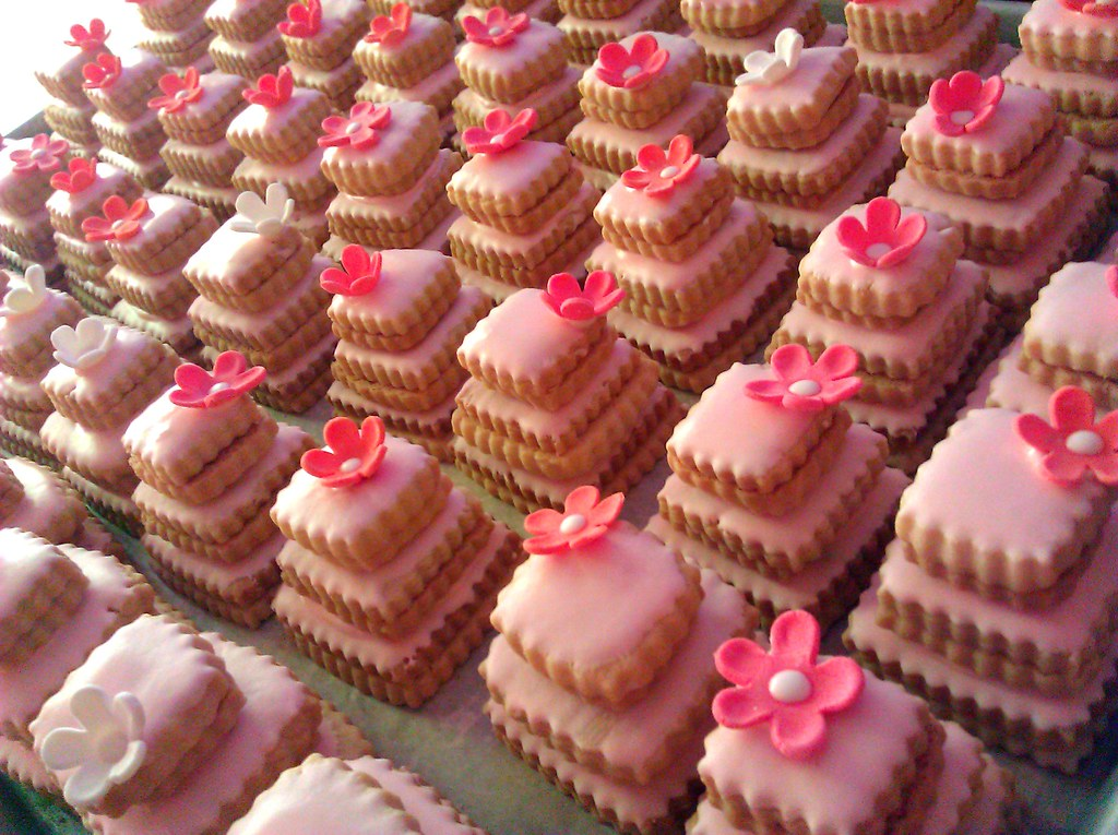 Pink Cookie Cakes | Stacked butter cookie wedding favors ...