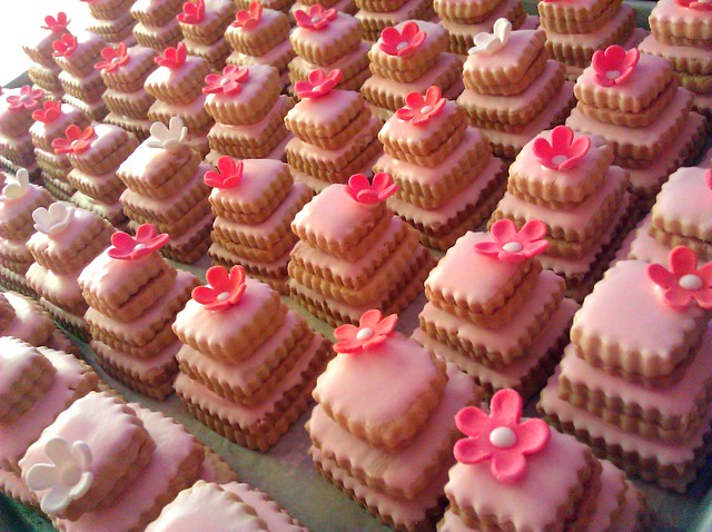 Pink Cookie Cakes | Stacked butter cookie wedding favors Cak ...