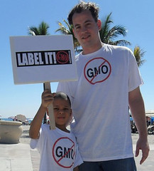 Hollywood, FL, March 26, 2011, Rally for the Right to Know