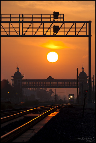 california railroad backlight sunrise canon outdoors socal 5d commuting canon5d pomona metrolink canondslr commutertrain canon70200f4l inlandempire commutertrains scax alltypesoftransport aphotographersnature kenszok