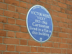 Photo of Victor Weisz blue plaque