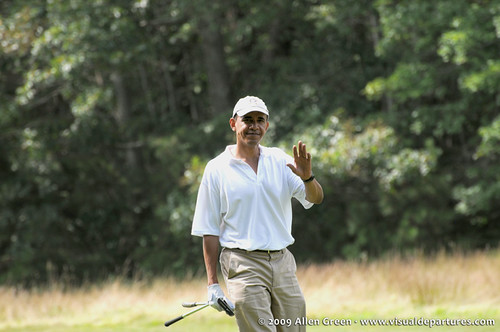 Obama playing golf on Martha's Vineyard