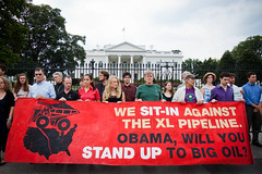 People Sit-In in Front of the White House by tarsandsaction