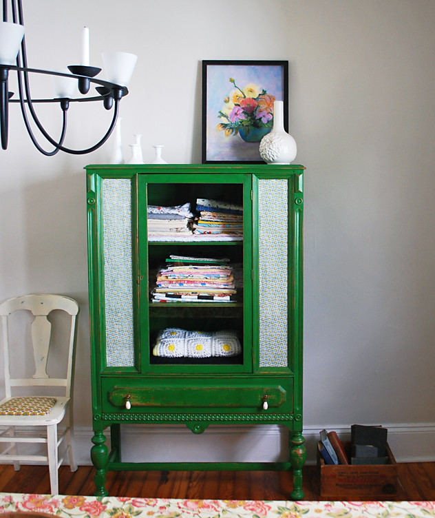 lovely emerald green kitchen cabinets | No. 20 {emerald green & loving it} - fiveoeight co.
