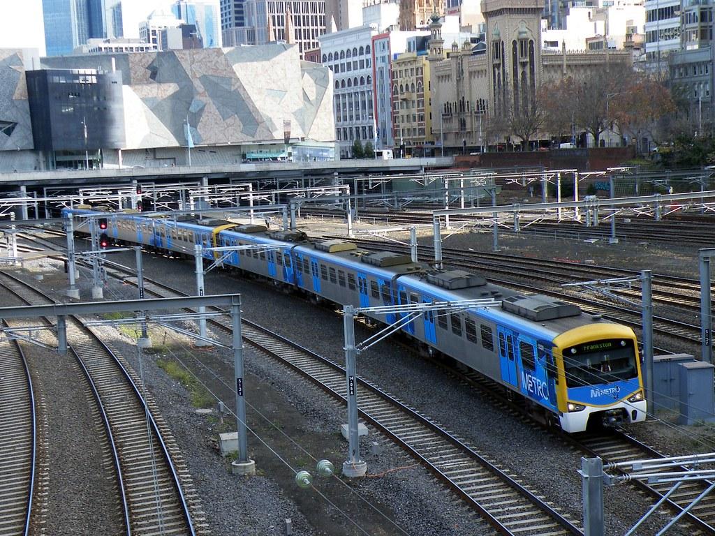 Metro Trains 6 Car Seimeins Heading to Frankston by denmac25