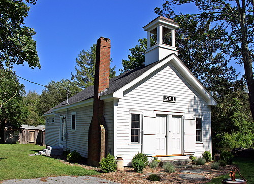 Tiverton Four Corners Schoolhouse No. 1 by robtm2010