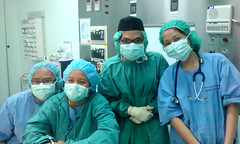 surgery(0.0), physician(1.0), medicine(1.0), surgeon(1.0), medical(1.0), operating theater(1.0),