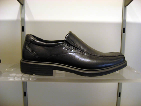 Ecco Shoes Men For Travelling