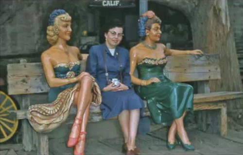Marilyn and Cecilia Hargrave sisters - fiberglass statues, with Cecilia live, Calico Square, Knott's Berry Farm, Buena Park, California