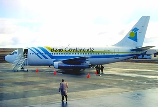 108aa - Aero Continente Boeing 737-247; OB-1742@PUN;03.09.2000