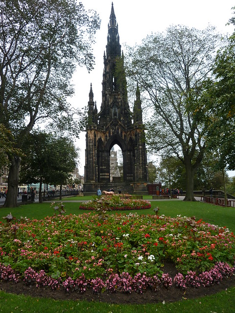 Scott Monument, Princess Street