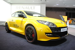 family car(0.0), sedan(0.0), automobile(1.0), automotive exterior(1.0), renault mã©gane renault sport(1.0), wheel(1.0), vehicle(1.0), automotive design(1.0), auto show(1.0), renault mã©gane(1.0), bumper(1.0), hot hatch(1.0), land vehicle(1.0), hatchback(1.0),