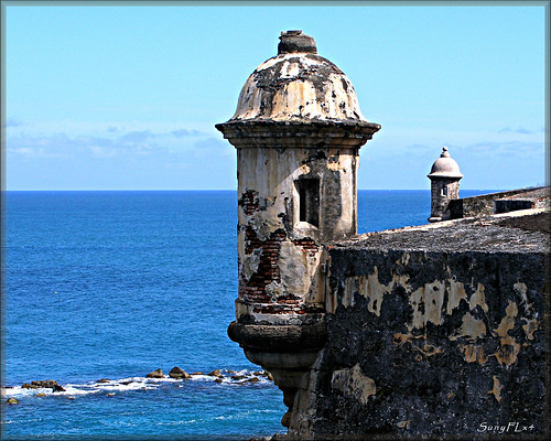 travel blue water island puertorico fort unescoworldheritagesite worldheritagesite explore sanjuan spanish historical caribbean fortification fortress garita castillodesancristóbal 1783 nationalhistoricsite sentrybox spanishfort greatphotographers explored best4gpin