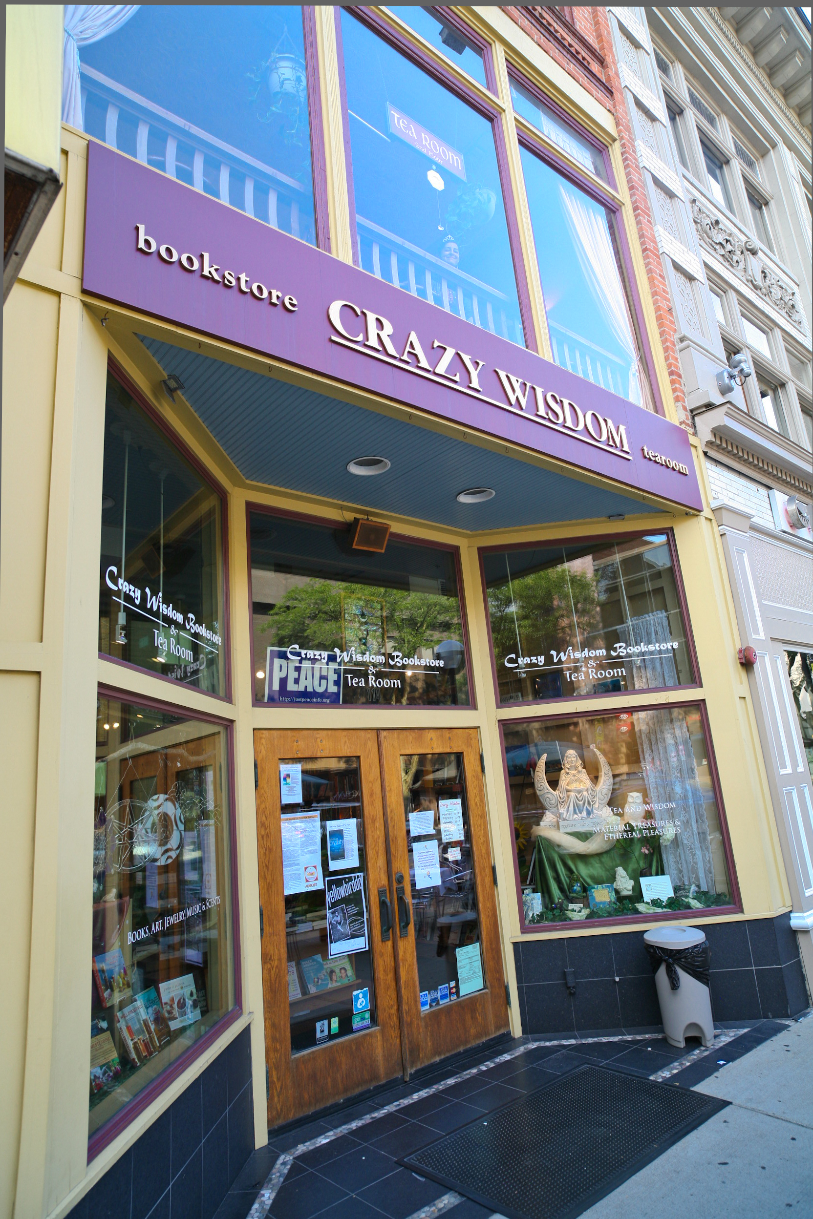 Crazy Wisdon Bookstore And Tea Room Downtown Ann Arbor 6