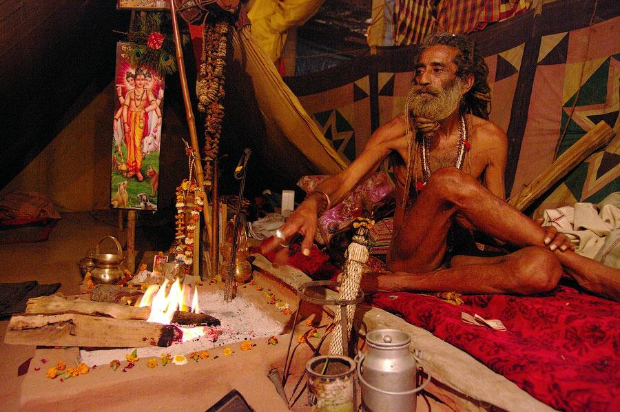 Лагерь нага-баба, Кумбхамела 2010 © Kartzon Dream - авторские путешествия, авторские туры в Индию, тревел фото, тревел видео, фототуры
