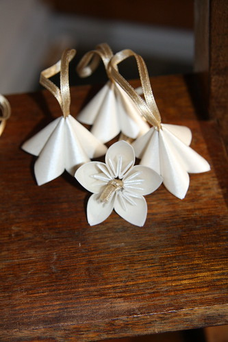Paper Ornament 24 Photos | Ivory and Gold Origami Flower Ornaments | 361